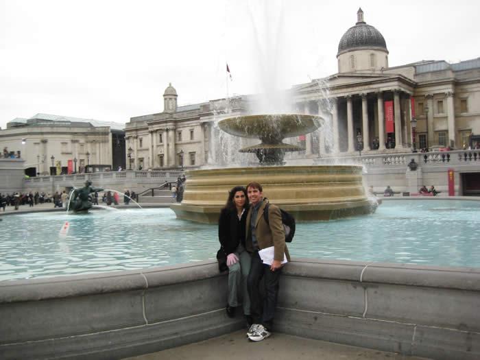 fountain-trafalgar-square-london-travel